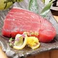 料理メニュー写真紀州マグロの断面刺身