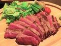 料理メニュー写真九州県産黒毛和牛赤身ステーキ 150g(1~2人)