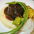 料理メニュー写真国産 牛ほほ肉の赤ワイン煮込み