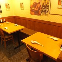 店内にはテーブル席がございます!