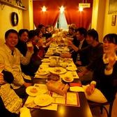 2Fのテーブル席。人数に合わせてレイアウト変更OK!15~30名で貸切ご宴会・PARTYにご利用いただけます。