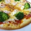 料理メニュー写真プリッとエビの「海老とブロッコリーのピッツァ」