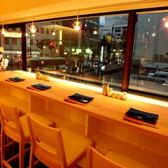 【1名様~4名様】浦和の街並みを見ながら楽しめる窓際席★夜景を見ながらしっぽり女子会やデートに♪雰囲気抜群のお席です。