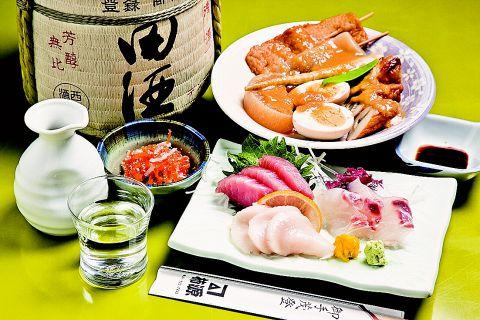 地元・青森産の旬素材を使った郷土料理が味わえる。人気の地酒焼酎も種類豊富。