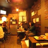 【広々店内】明るい店内には広々使えるテーブル席をご用意しています。ご友人同士やご家族連れなど、様々なシーンにご利用ください♪