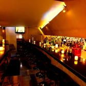会社帰りやデートなど、ゆったりとした空間で楽しみたい時はカウンター席へ♪リキュールを中心に、種類豊富なお酒を楽しむ事ができます。