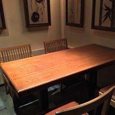 1F:テーブル席個室