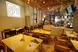 ◆広々とした店内、席の間隔も広くとっております◆
