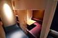 カーテンで仕切られた半個室は2人だけの特別な空間を演出!予約は必須!!