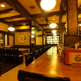 店内は、客席をゆったりと取り、寛ぎの空間をご提供しております。認定されたお店でしか飲めない樽生をご用意。アサヒスーパードライや、深い味わいが特徴のプレミアム生ビール熟撰など、普通のお店では飲めない美味しいビールを用意しております。【梅田 串カツ ランチ ディナー 宴会 飲み会】