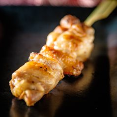 鉄串 白(1本)(もも・皮・ムネ・せせり)【タレ・塩・味噌ダレ】