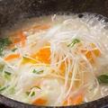 料理メニュー写真富士特製チーズ石焼クッパ(バター風味がアクセント)