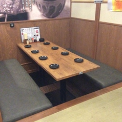 8名様用テーブル席