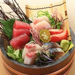 【刺身大漁盛り1690円】団体様にはこちらがおすすめ!