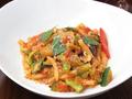 料理メニュー写真自家製ショートパスタトロフィエ 彩野菜とパルミジャーノのトマトソース