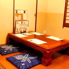 一階のお座敷個室は、お客様の人数に合わせて結合可。昼宴会も承っております。