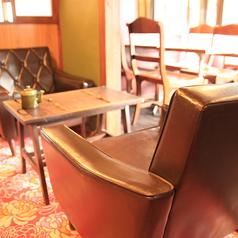 2階のテーブル席。和のテイストが押し出された2階。大きく3部屋に分かれておりその内の真中のお席。【茶屋町・中崎町・誕生日・カフェ・女子会・ママ会・貸切・和】