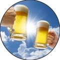 料理メニュー写真青空の下でビールで乾杯