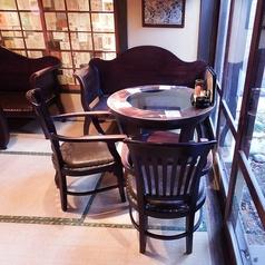 1階【梅の間】:4名様のテーブル席です。