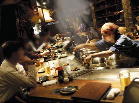 臨場感あるカウンターと純和風の個室で広島の味をお楽しみ下さい。