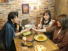 ROJIURA Cafe ロジウラカフェの雰囲気1
