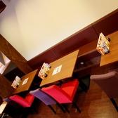 【1F】ゆったり座れるテーブル席