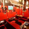 赤白を基調とした店内は、明るく親しみやすい空間♪ご家族やご友人同士の飲み会等に是非ご利用下さい♪