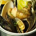 料理メニュー写真獲れたて貝バケツ盛り