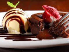 ホットショコラ・チョコラ・バニラアイス添え