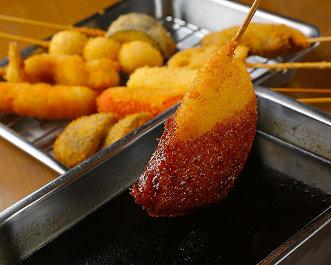 サラダ油の王様『綿実油』で揚げたサックサク串カツが自慢!!2度付け禁止!