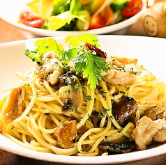チキンとポルチーニ茸のアーリオオーリオ