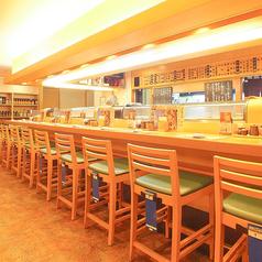 カウンター席では、調理風景を楽しみがら、お食事が楽しめます!