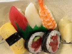 寿司半人前(味噌汁付き)