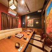 6名様~8名様向けのテーブル個室は、合コン・女子会・プチ飲み会、ご家族でのプライベートなお食事などにも最適です☆ゆったりとした個室なので周りを気にせずごゆっくりとお過ごし頂けます♪楽しい時間をぜひ田なか屋でお過ごしください。