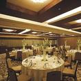 最大100名様がお食事可能な個室や少人数対応の個室 合計4部屋のご用意がございます。 一般の宴会、会食、法要のお食事等 あらゆるシーンでご利用いただけます