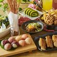 【肉×寿司女子会】肉ずしを囲んでガールズトーク♪メインはインスタ映え間違いなしの肉てまり寿司!お肉好きには堪らないコース内容となっております♪嬉しい2.5時間飲み放題付き♪思い存分ガールズトークをお楽しみ下さい♪