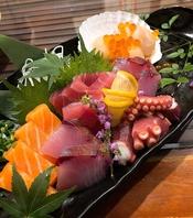 【お造り】毎日、市場から仕入れる日替わりの鮮魚★