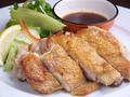 料理メニュー写真若鶏の黒こしょう焼き