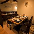 【4名様~6名様用個室】一階の奥には扉・襖で仕切られた完全個室がございます。会社の飲み会や親睦会、歓送迎会や宴会などにお勧め。少人数様で個室で楽しみたい方には抜群のお部屋です。広々と創られている空間ですので、ゆっくりと肉バル料理を楽しむ事ができます。
