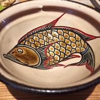 こだわりの陶器!すべて沖縄の『やちむん』を使用