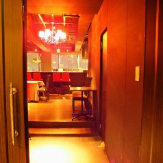 ビル10階から夜景が望めるゆったりとした大人の隠れ家入口