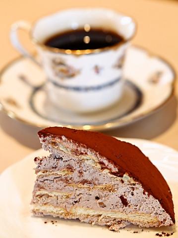 TVで紹介され全国的人気になったチョコビスケーキがあるカフェ。軽食メニューも豊富。