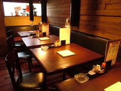 ホッと落ち着くテーブル席は小人数から最大20名様までご利用頂けます!