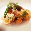 料理メニュー写真エビとホタテのポアレ アメリカンソース