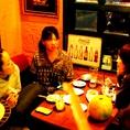 女子会に人気のソファ+テーブル席。お料理コースを召し上がって頂くのもテーブル席はお薦めです。