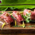 料理メニュー写真『ローストビーフの肉寿司』