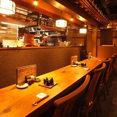 【ゆったり広々座れます『カウンター席』】キッチンの臨場感が体感できるゆったりカウンター席は隠れた人気席です。