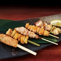 料理メニュー写真おまかせ串焼き盛合せ(タレ・塩)