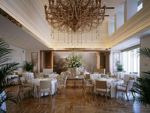地上42階、天空のグランメゾンにて伝統に裏付けされた極上のフランス料理を。