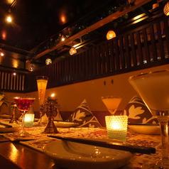 間接照明のテーブル席♪人気の席ですので、お早めにご連絡ください。新宿での個室宴会、歓送迎会、各種ご宴会、合コン、女子会等、様々なシーンに!!★新宿エリア人気急上昇の隠れ家ダイニング♪